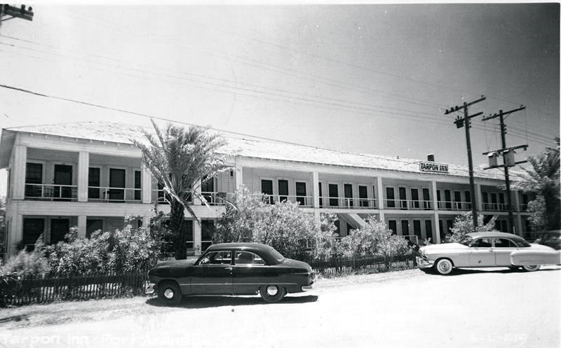 1950's Tarpon Inn Side View.jpg