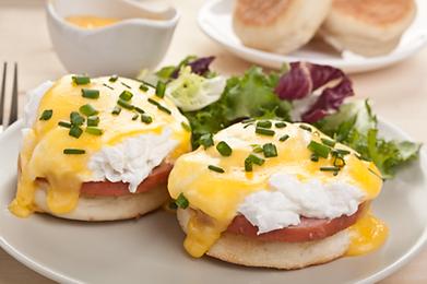 Hunters eggs benedict breakfast