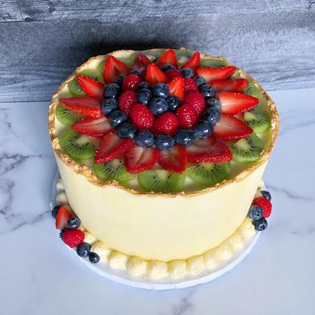 Fresh fruit spring cake