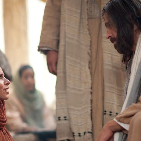 المسيح يشفي المرضى