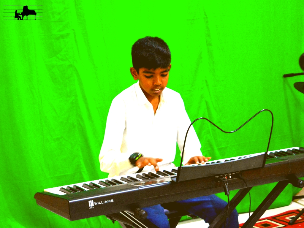 Nischal performs 'Hand on hand' from Tri