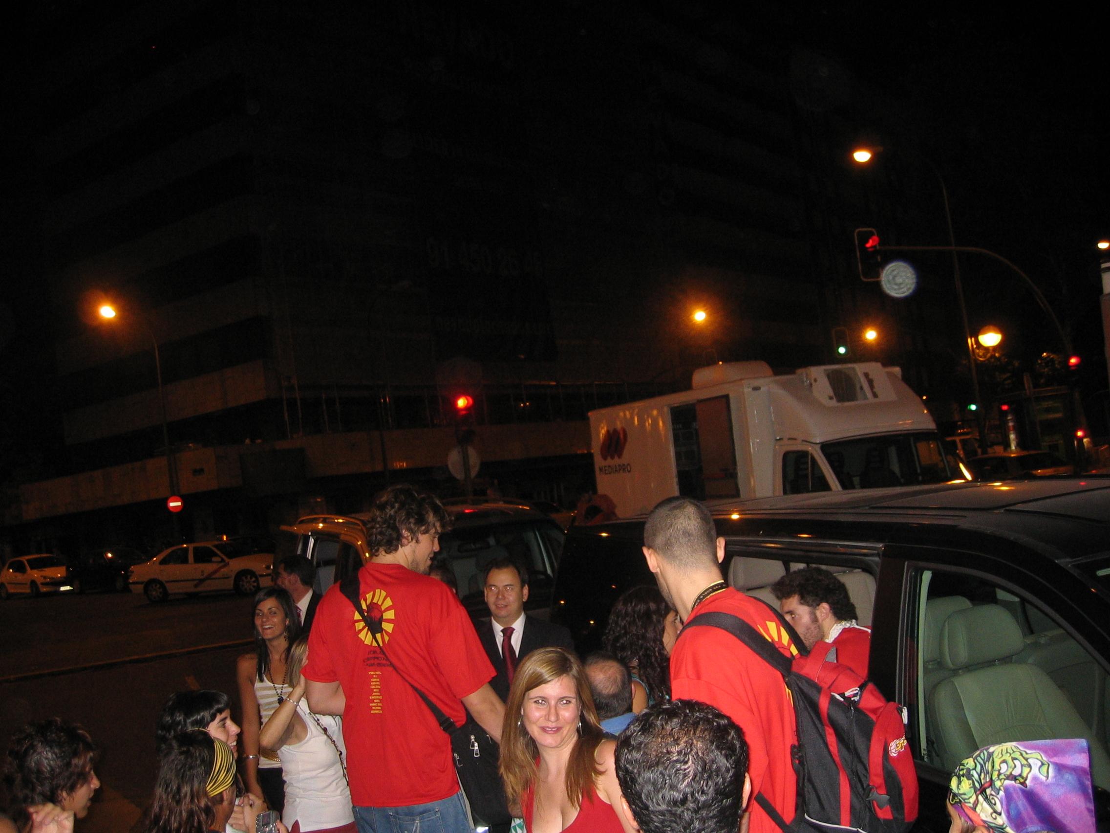 Hermanos_Gasol._España_Campeona_del_Mundo_Japon