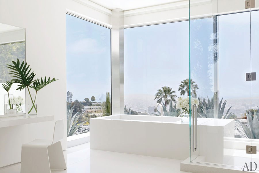 item10.rendition.slideshowHorizontal.james-magni-design-beverly-hills-home-11-ba