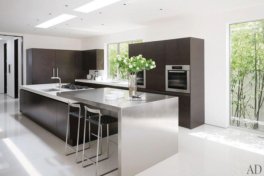 item6.rendition.slideshowHorizontal.james-magni-design-beverly-hills-home-07-kit