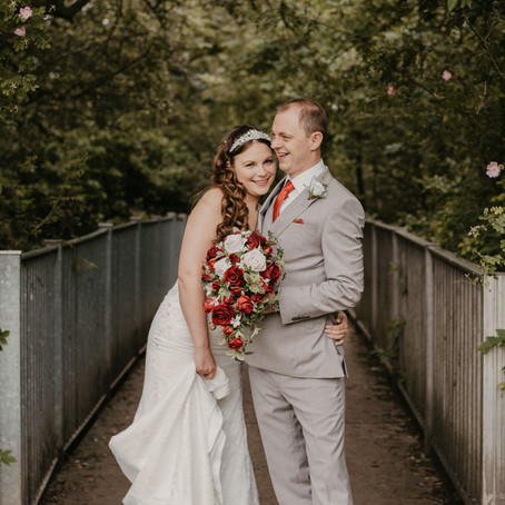 Summer Wedding At Moot House Harlow