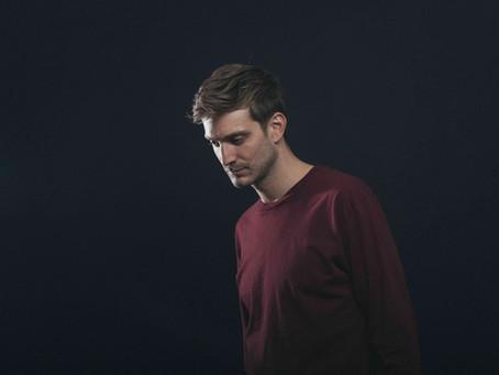 """London Based Synth Popper Ben Hobbs Makes A Barnburner on """"Take The Blame"""""""