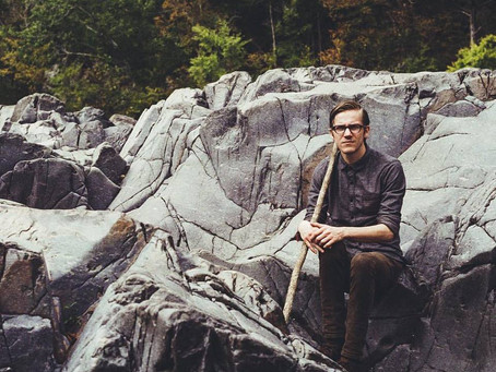 """St. Louis Based Folkie Steven Deeds Releases New Single """"Shaman Of The Creek"""""""