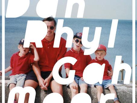 Dah Rhyl Gah Moor - The Sounds That Prawns Make