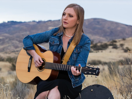 "Eilen Jewell Reveals Mexican Acoustic Influence on ""Rio Grande"""