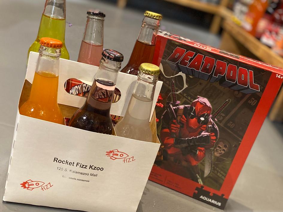 Deadpool Puzzle & 6-Pack