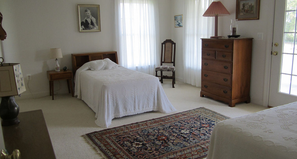 bedroom4.jpg