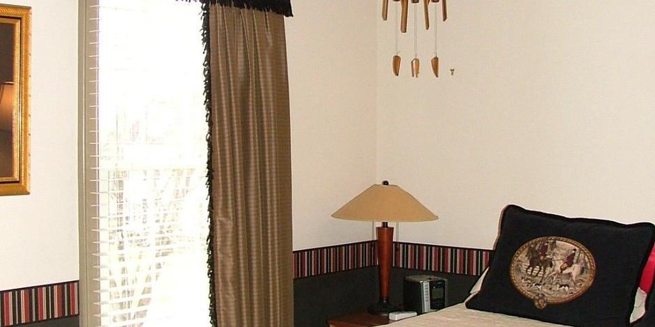Vartanian Bedroom 4.jpg