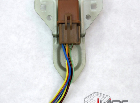 Plug Spotlight - Main Relay and Connector