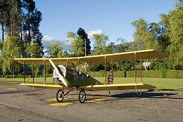 Construccion del primer biplano curtiss jenny bogota, colombia, primer vuelo en el aeropuerto de guaymaral en la cuidad de bogota, aeroclub de colombia