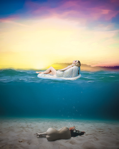 woman under water-2.jpg