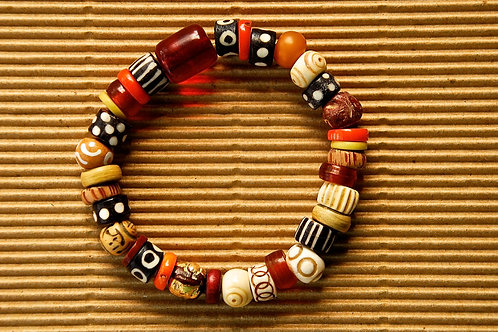 Terra Cotta Red Beads with Amber Barrel Accent Bead Bracelet