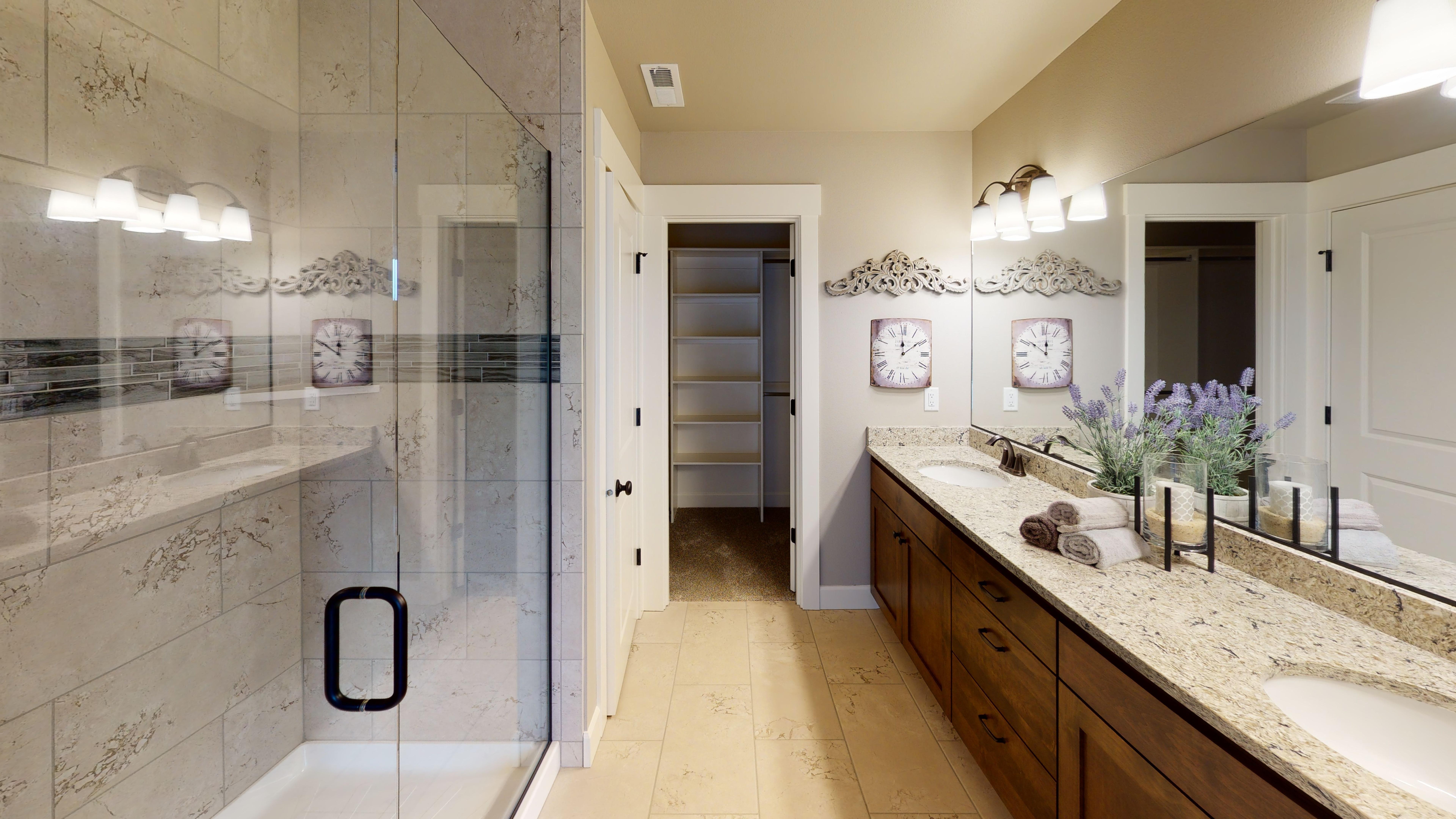 4868-Tate-Ave-N-Keizer-OR-Bathroom
