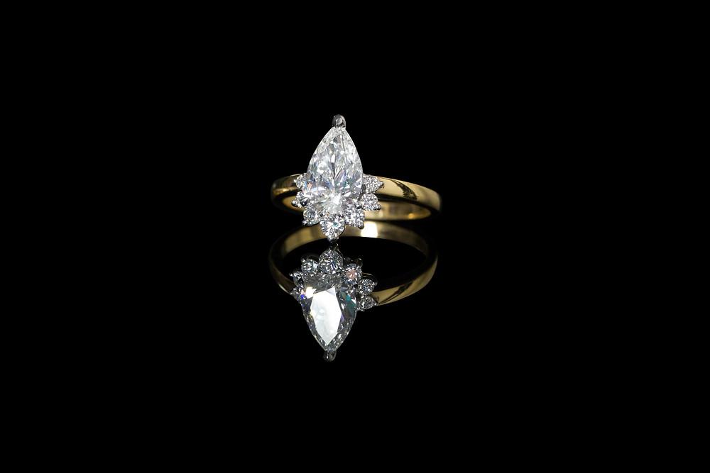 APS PEAR CUT YELLOW GOLD DIAMOND RING