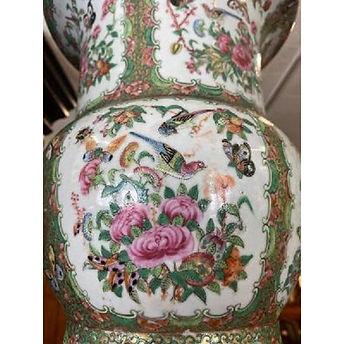 antique-rose-medallion-vase3.jfif
