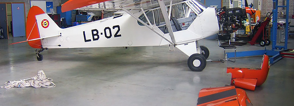 Piper L21B Super Cub LB-02 undergoing engine maintenance at Goetsenhoven airbase on August 26th, 2008.