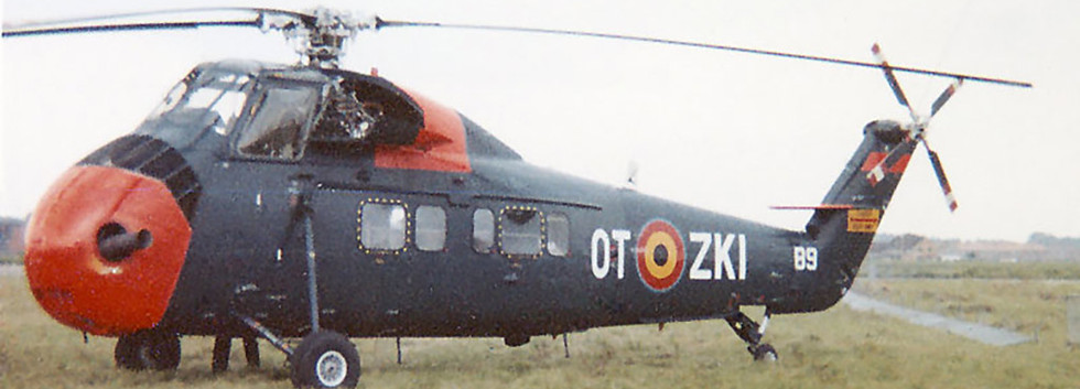 N° 40 Squadron Sikorsky S.58C B-9/OT-ZKI during the 1964 edition of the Koksijde airshow.  A few weeks later this helicopter was written off in an accident at Koksijde on September 21st, 1964.
