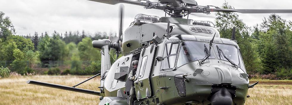 NH90 TT RN05 in action on 17 September 2015 - Photo Daniel Orban.jpg