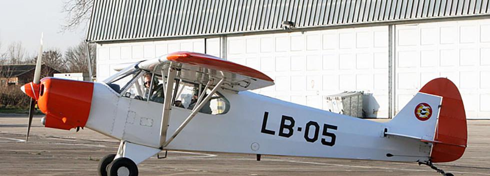Piper L-21B Super Cub LB-05 at Goetsenhoven airfield on December 12th, 2006.