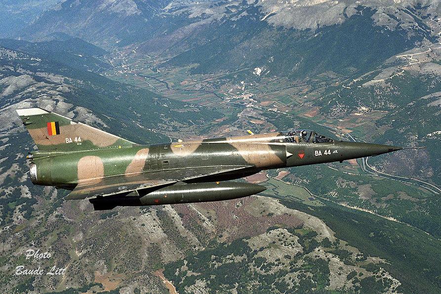 BA44-In-flight-Baude-Litt-86_11_35.jpg