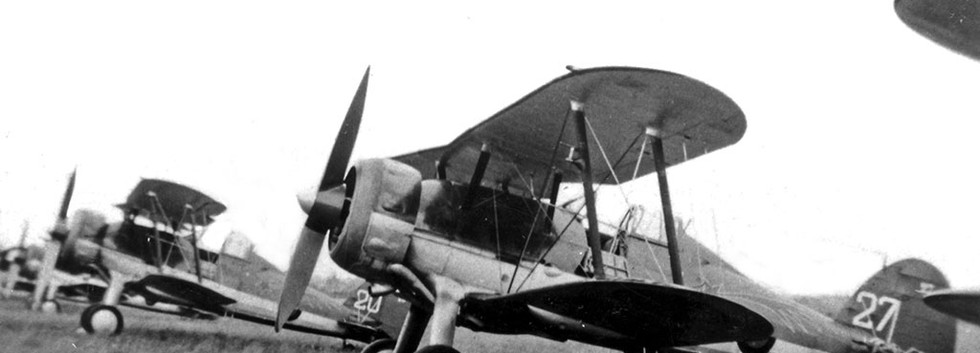 Aéronautique Militaire Belge Gloster Gladiator I G-27 in a line-up in the summer of 1938..
