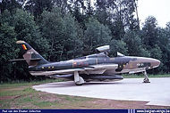 """N° 42 Squadron Republic RF-84F Thunderflash FR-21 at Ramstein (D.) airbase on 12 June 1971 at the end of the """"Royal Flush XVI"""" exercise."""