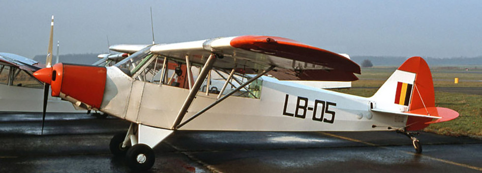 Piper L-21B Super Cub LB-05 with straight rear window at Florennes airbase.