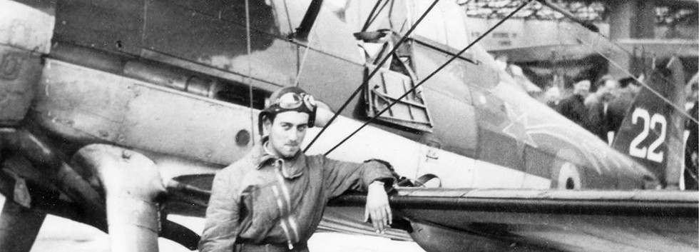 Pilot 1 Sgt Denys Rolin poses in front of his Gloster Gladiator I G-22.  On 11 May 1940, while escorting a formation of nine Belgian Fairey Battles to bomb the bridges over the Albert Canal, Rolin (in G-22)  managed to shoot down a Luftwaffe BF109 at Zichem before faling victim himself to enemy fire at Heukelom (Vroenhoven).  Fortunately he jumped to safety but was captured.