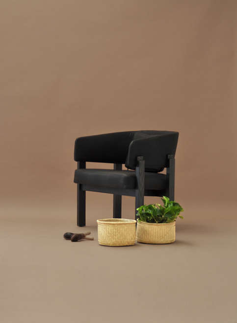 Comadre Lounge Chair
