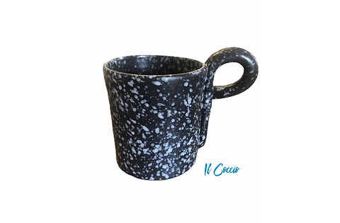 MUG BLACK with logo.png
