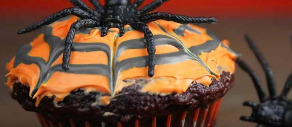 CHOCOLATE SPIDERWEB CUPCAKES