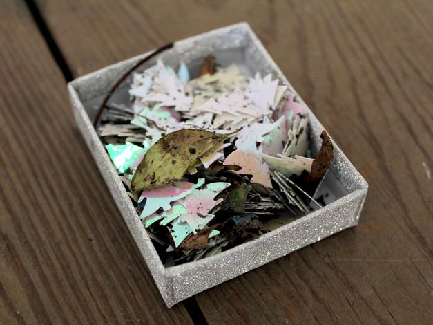 Confettis trouvés à Bâle.  Crédit photo : Magali B. Marchand