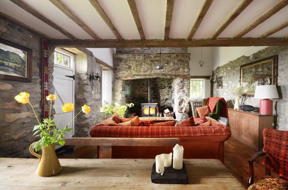 Mountain_Cottage_Living_Room_6.jpg