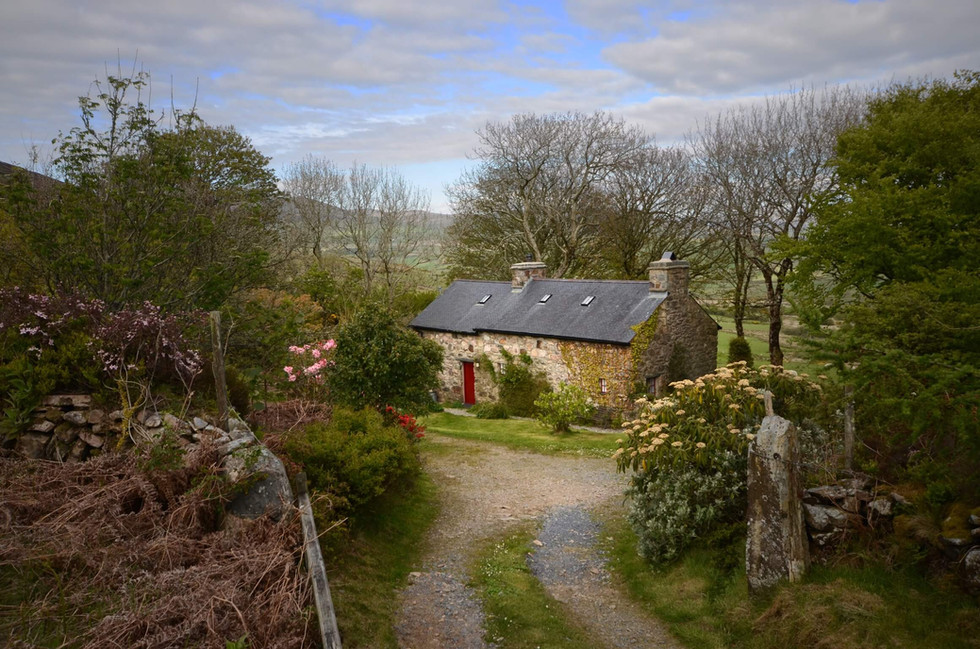 Mountain_Cottage_Exterior_1.jpg