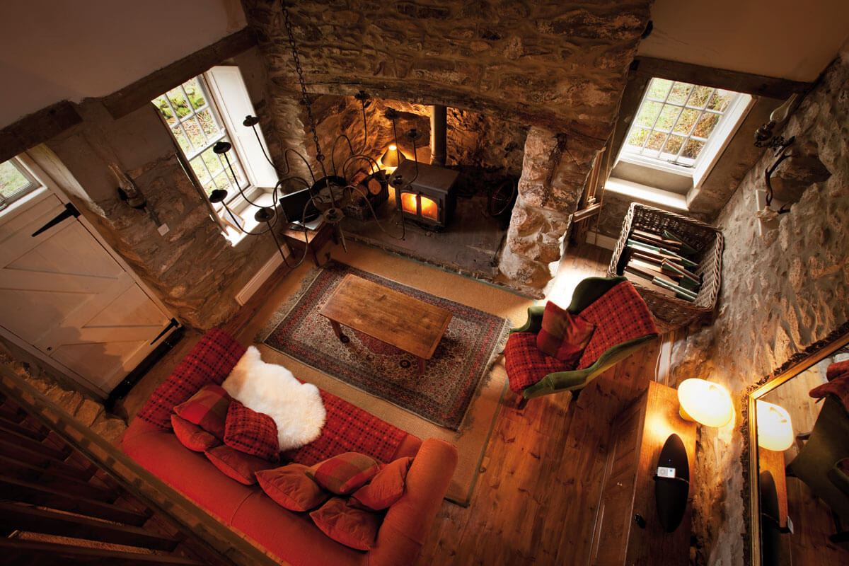 Mountain_Cottage_Living_Room_2.jpg