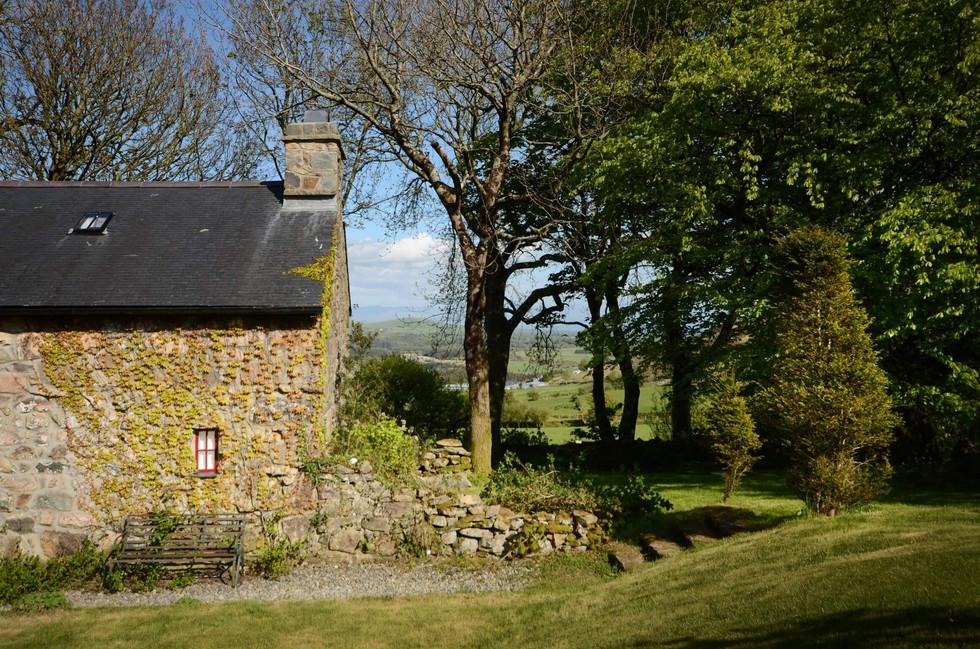 Mountain_Cottage_Exterior_2.jpg
