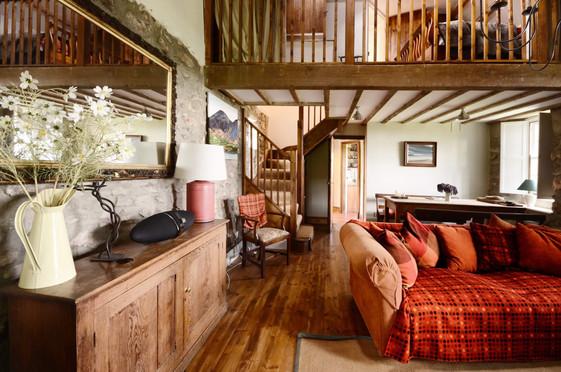 Mountain_Cottage_Living_Room_4.jpg