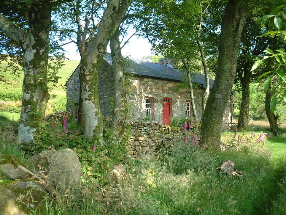 Mountain_Cottage_Exterior.jpeg
