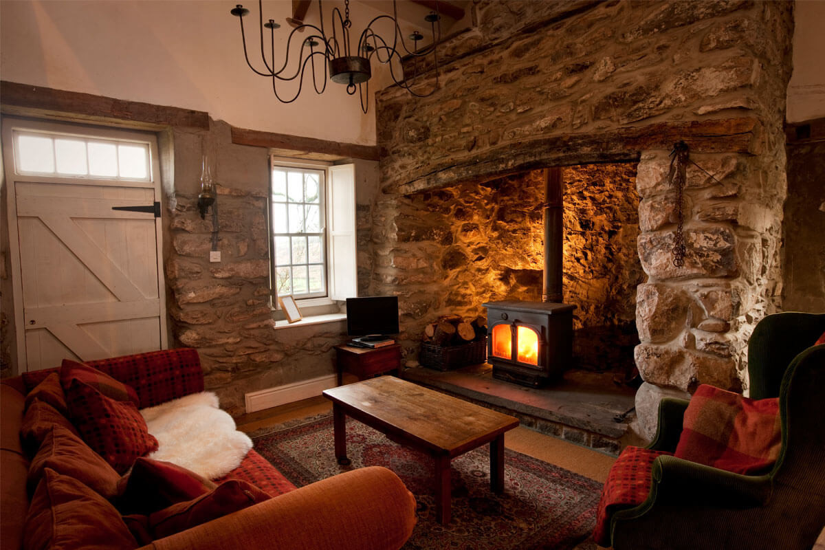 Mountain_Cottage_Living_Room_1.jpg