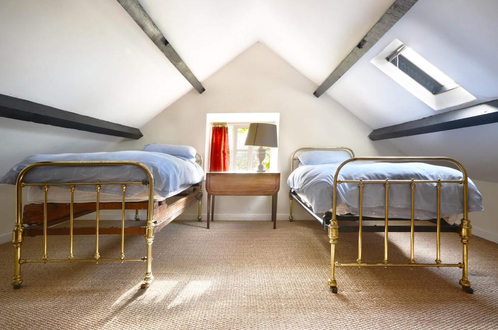 The_Longhouse_Bedroom_2.jpg