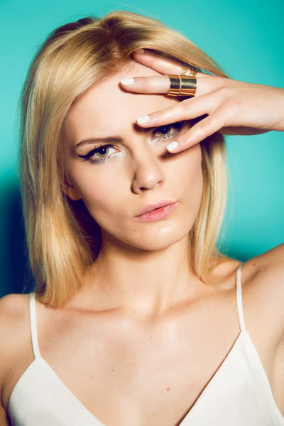 photo: Oliwka Grochal  model: Andżelika Chudzik  designer: Olga Leś fashion  make up & hair: Sonia Zieleniewska