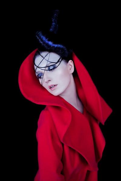 model: Ida Gozdek   photo: Krzysiek Hawrot  designer: Joanna Hawrot  make up: Sonia Zieleniewska  hair: Atelier Bernady