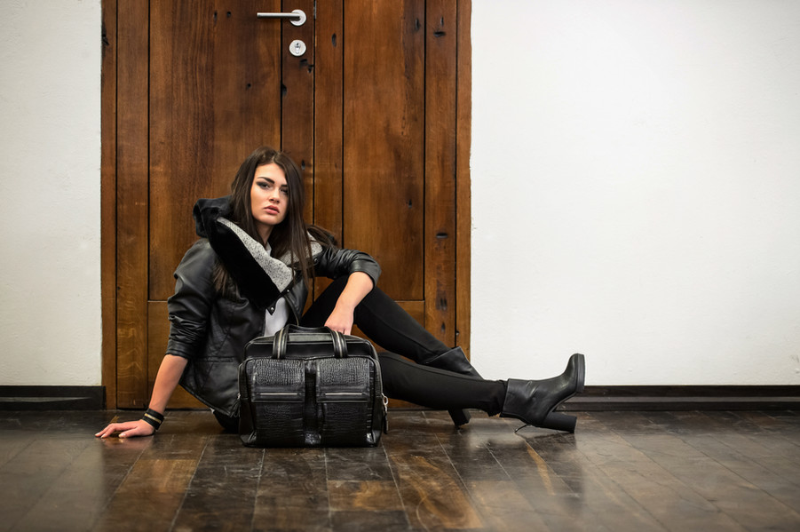 photo: Piotr Werner  model: Ewelina Przeworska client: me&BAGS  make up & hair: Sonia Zieleniewska
