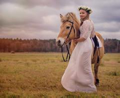 horse-girl-flower-head-wreath-bp.jpg