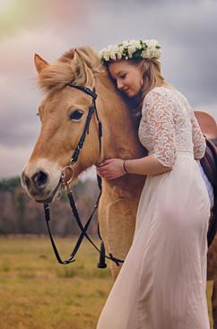 Love-to-Horses.jpg