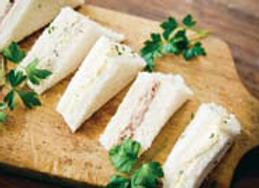 Sandwich froide en triangle (jambon, oeuf, poulet)